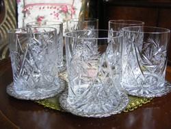 Gyönyörűen kézzel metszett, ünnepi 6 db-os kristálypohár készlet, 6 db ezüstözött poháralátéttel