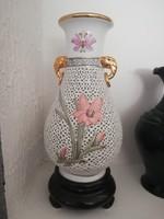 Talpas áttört porcelán váza 30 cm