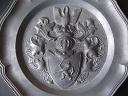 Címeres ón fali dísztál