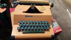 Retro Barbie írógép