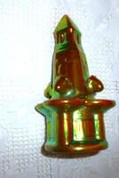 Zsolnay eozin mázas kút figura
