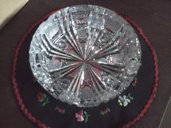 Kristály hamutartó, asztalközép 15 cm átmérő