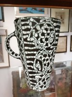 Kerámia váza  vagy kancsó Gorka jelzéssel.Zöld fehér.