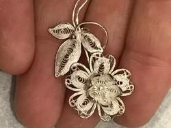Gyönyörű ezüst bross