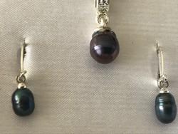 Nyaklánc és fülbevaló pár édesvizi gyöngyökkel eredeti dobozában
