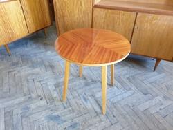Régi retro kerek fa asztal mid century