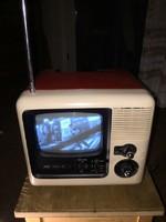 Antik   tv.    JVC   3020   GM   IC    fekete - fehér 1975 .