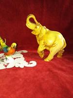 Elefánt figura műgyantából készült. Szerencsét hozó elefánt szobor