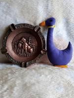 20229B Domborműves bronz hamutál vadász témával