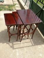 Thonet szép 3részes zsúr asztal, lerakóasztal, egymásba tolható felújitott!kiváló ahogy a fotón!