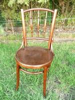 Nyomott mintás, eredeti antik Thonet szék felújított, stabil állapotban