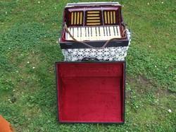 Tangóharmonika régi, szép állapotban