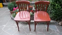 Két darab thonett szék újra festve, a 3. ajándék