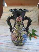 HMV    Kis Zoltán készítette  ,  régi  szép l festett  váza  .    15 x 23 cm