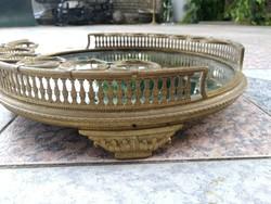 Antik kínáló, bronz pohártartókkal 12pohárnak.ajándék festett dugós üveg! Ami festett.