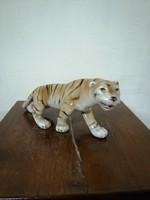 """Rolyal Dux porcelán figura """" Lopkodó tigris  """". Kézzel festett világos máz. Ritka! L-8"""