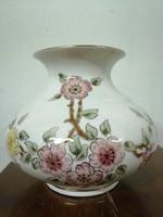 Zsolnay porcelán kis váza. Kézzel festet.