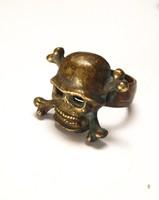 Katonai sisakos halálfejes bronz pecsétgyűrű.