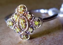925 ezüst gyűrű, 17,8/56 mm, sárga gyémántokkal