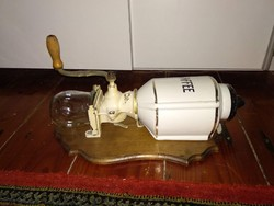 Antik Pe. De. Kaffee kávédaráló, Peter Dienes daráló, 19/20th century PeDe antique grinder