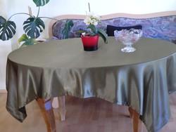 Elegáns esésű terítő nehéz selyem asztalterítő olajzöld 150x180 cm