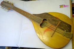 Régi orosz dupla húrozású mandolin, használható állapotban. Hangszer gyűjteménybe való.