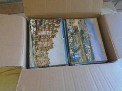 G003  Sok száz külföldi képeslap kartondobozban