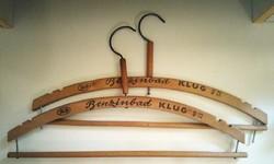 2db Benzinblad Klug fa ruhafogas, szép állapotban, 1920as évek