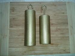 853g és 1066 g súlyú antik vas órasúly 2 db  aranyra színezett