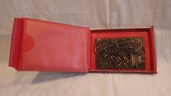 20 éves a Fővárosi Tanácsi Építőipar bronz plakett