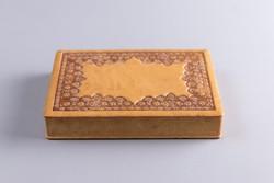 Taurus fa doboz, bőr borítással.