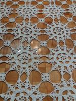 Hófehér kézzel horgolt antik pamut csipke asztalterítő