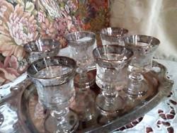 Likőrös poharak