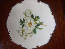Porcelán arannyal futtatott tányér