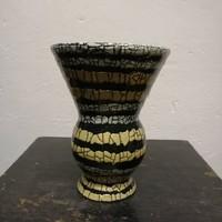 Gorka stúdió váza. Kézzel festett sárga színű máz.Ritka!  F-24