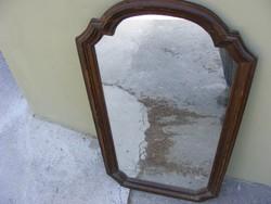 Tükör nagy fakeretben