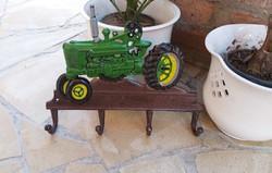 Gyönyörű  vas traktoros , traktor ,zetoros  fogas, fali fogasok  John Deere