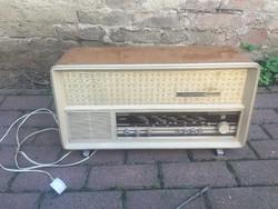Videoton Szimfónia de luxe retro rádió
