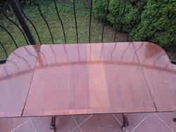 Dohányzó asztal