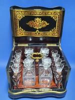 Boulle intarziával készült asztali italtartó