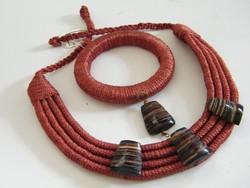 Kézzel készült, ásványkövekkel díszített egyedi nyaklánc és karkötő