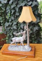 Antik régi nagyméretű öntöttvas szarvas asztali lámpa tömör tölgyfa talpazaton