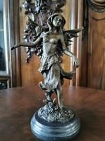 Tündér bronz szobor