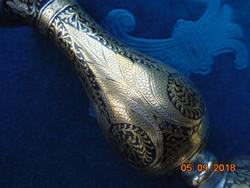 Niellós,aranyozott ezüstberakásos virágmintás,súlyos kis Keleti váza