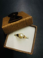 Tenyésztett gyöngyös arany gyűrű