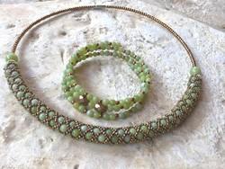 Extravagáns Bronz Színű gyöngy és zöld szerpentin ásvány nyakék és többsoros karkötő