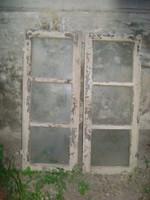 Két darab régi ablak szárny - parasztházból