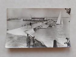 Régi képeslap Balatonfüred  kikötő hajó