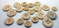 Régi kézműves gomb esztergált faragott csontgomb 20 darab