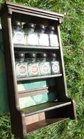 Fali fűszertartó szekrényke - falipolc fűszertartó üvegekkel